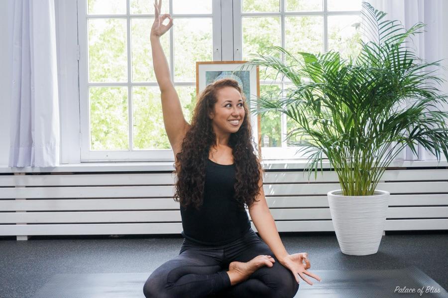 Hoe yoga mij gelukkiger heeft gemaakt (+ en hoe dit ook voor jou kan werken)