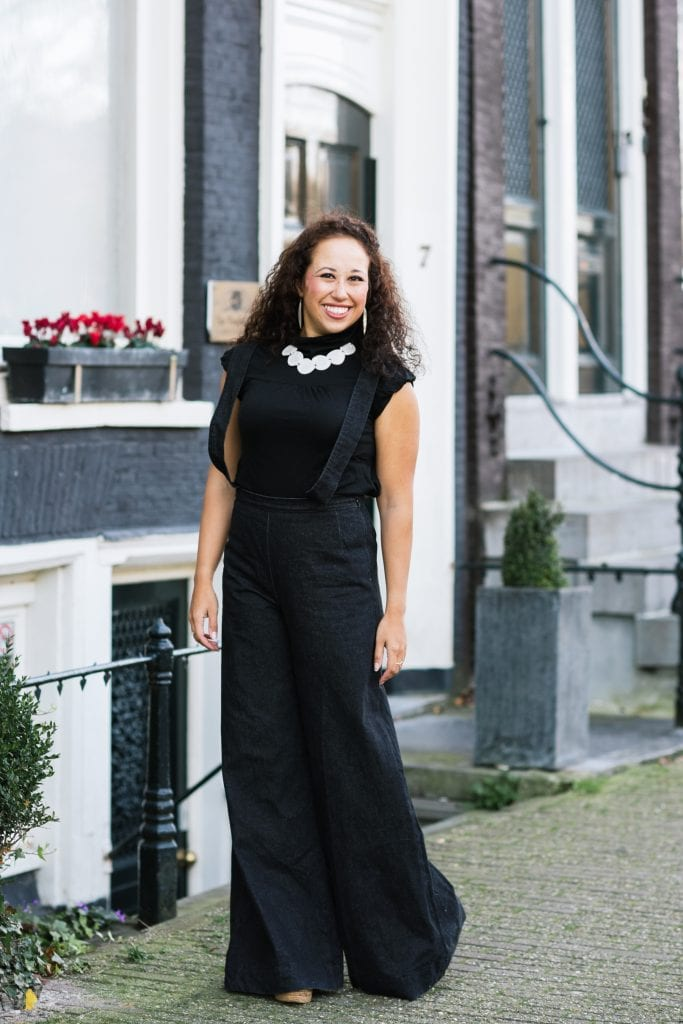 Hailey 12 - Fair fashion outfit || Ultra wijde broek & Picaflor ketting van ivoorpalm