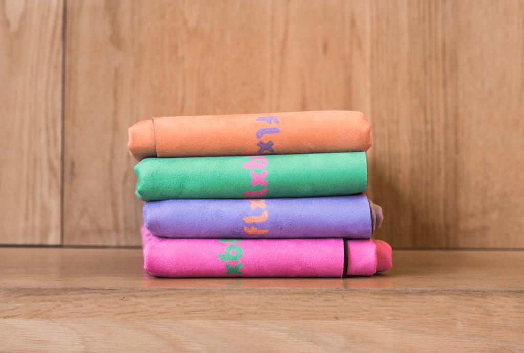 In deze blog vind je een review van de reisyogamat en yogahanddoek van het merk FLXBL
