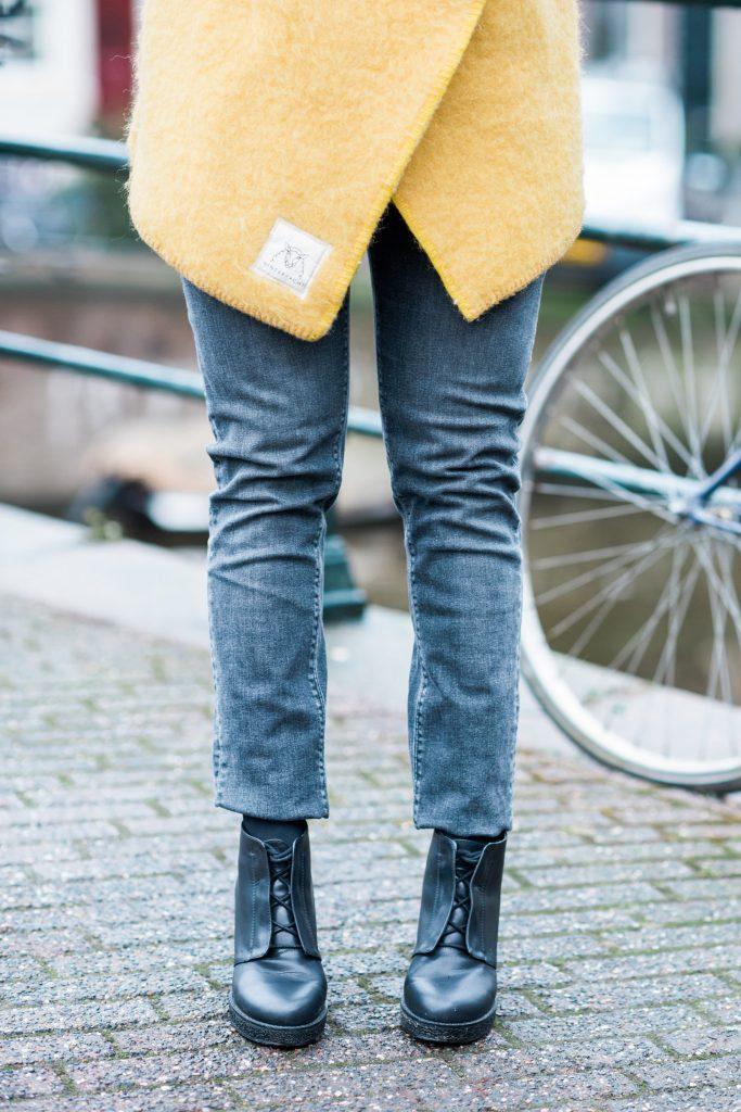 In deze fair fashion outfit vind je een jas van Wintervacht, een jeans van Mudjeans en schoenen van Matt & Natt / In this fair fashion outfit you find a jacket from Wintervacht, a jeans from Mud Jeans and schoes from Matt & Nat